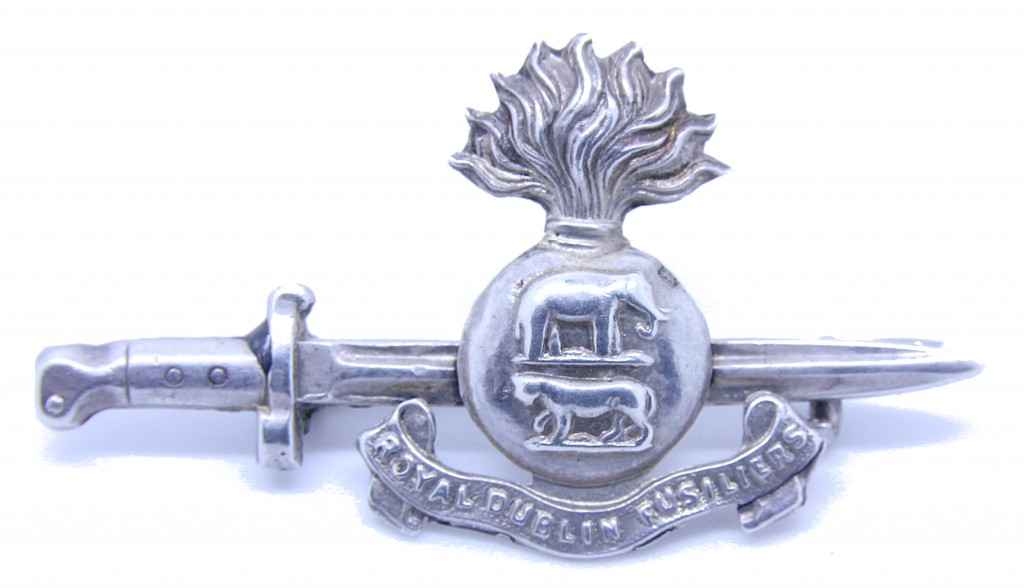 Hallmarked silver badge again produced in 1914 by Frederick Narborough, Birmingham.