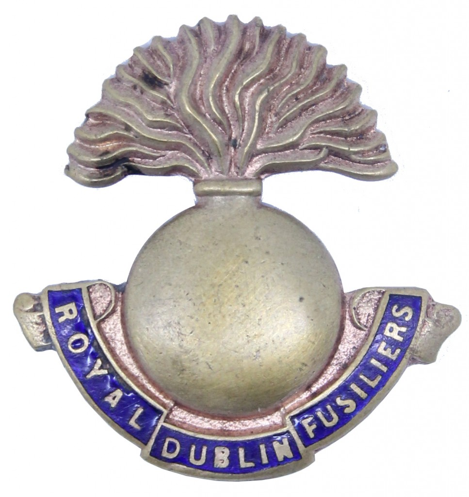 A plain metal and enamel badge, probably dating from the First World War